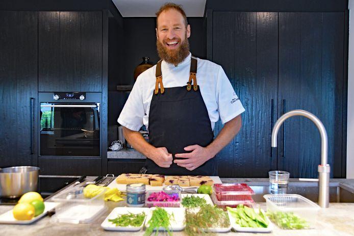 Marcin Beaufort kookt met regionale producten.