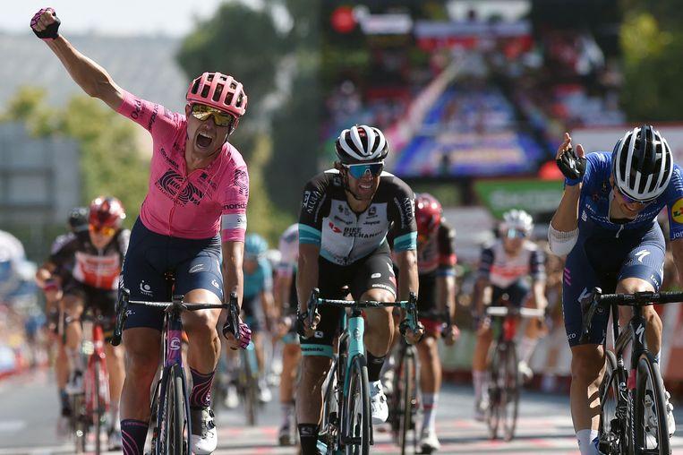 De Deen Magnus Cort Nielsen (links) wint donderdag de twaalfde etappe.  Beeld AFP