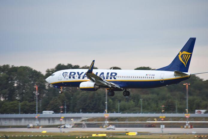 Een vliegtuig van Ryanair op de luchthaven van Charleroi, archiefbeeld.
