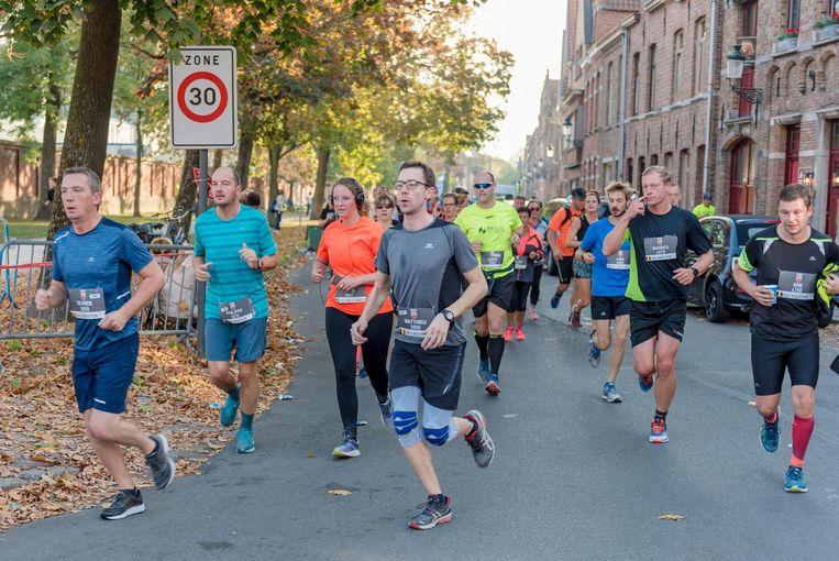Mede dankzij het goede weer kwamen meer dan zesduizend deelnemers aan de start.