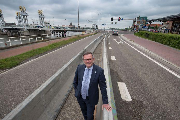 Gerrit Jan Veldhoen in zijn tijd als wethouder in Kampen.