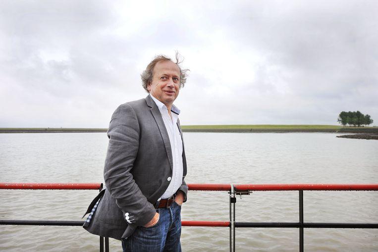 Henk Bleker, dan staatssecretaris namens het CDA, in 2011 op werkbezoek in Zeeland.   Beeld Guus Dubbelman / de Volkskrant