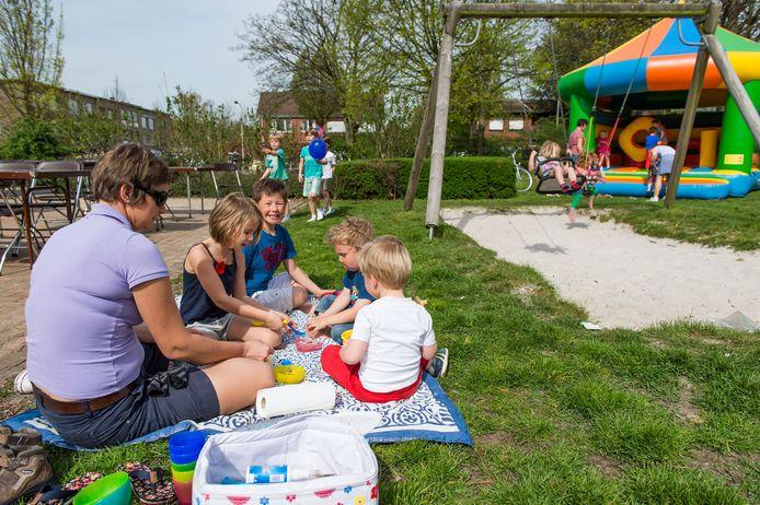 Een vorige editie van de buitenspeeldag in Edegem.