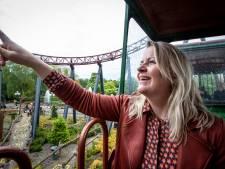 Gillende mensen in Slagharen: het Attractiepark is eindelijk weer open