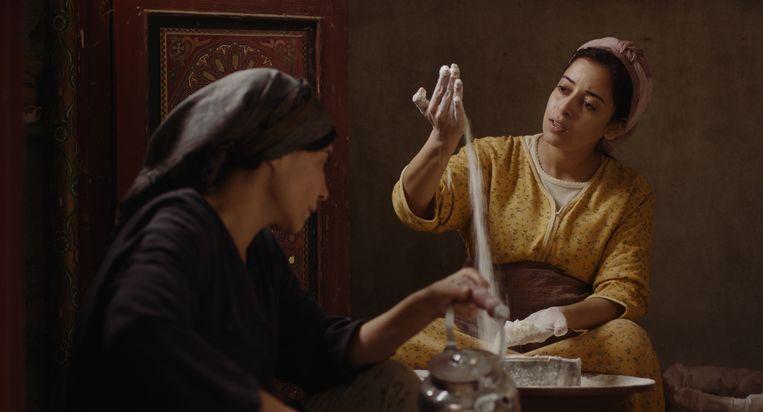 Abla (Lubna Azabal) en Samia (Nisrin Erradi) in Adam. Beeld