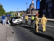 Ravage op Kasteel-Traverse (N270) in Helmond na ongeluk met drie auto's