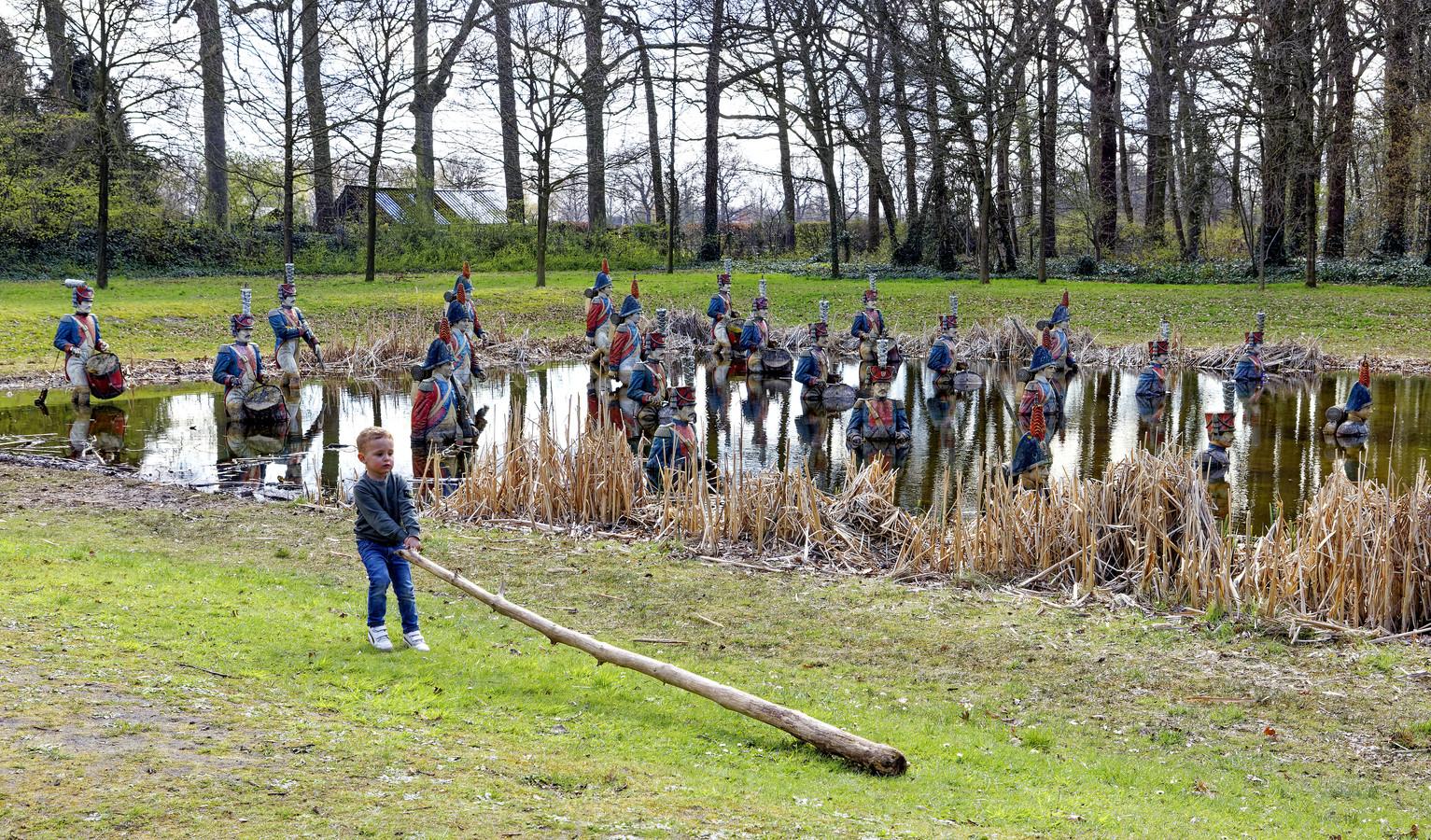 Een van de karakteristieke herinneringen aan het Land van Ooit, op landgoed Steenenburg in Drunen.