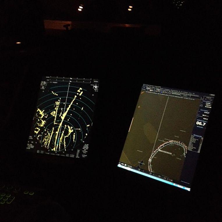 Radar- en navigatiescherm maken het varen een stuk eenvoudiger. Beeld Mac van Dinther