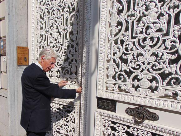 De 98-jarige George Sutherland die via een sponsorwandeling geld inzamelde voor Talbot House, mocht de deuren officieel heropenen.