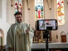 Robert van Aken krijgt als nieuwe pastoor in Tilburg en Goirle twee medepastores
