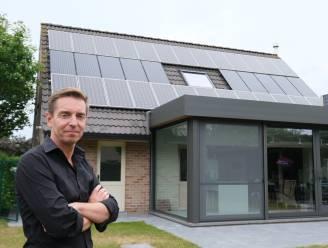 Zijn zonnepanelen nog een goede investering? Vincent was 12 jaar geleden pionier, nu installeert hij ze zelf. Hij maakt voor ons de rekensom