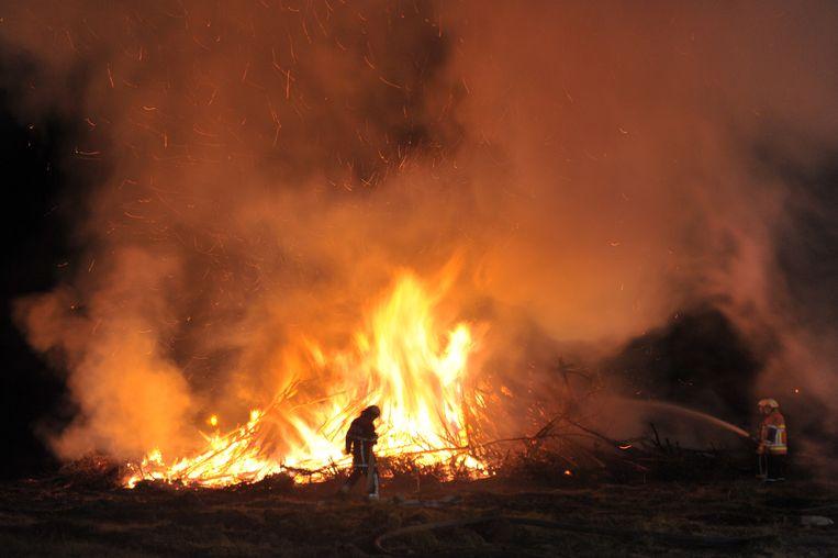 Illustratiebeeld : afval verbranden is strafbaar en kan een dure grap worden.