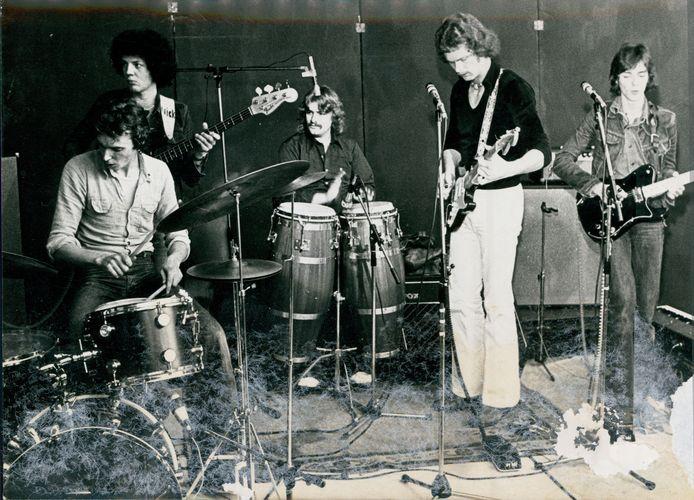 Optreden in schouwburg De Esch in Almelo in 1977. FOTO: DAAN WILLEMS