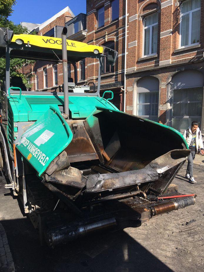 De student sliep zijn roes uit in een asfalteermachine in de Frederik Lintsstraat.