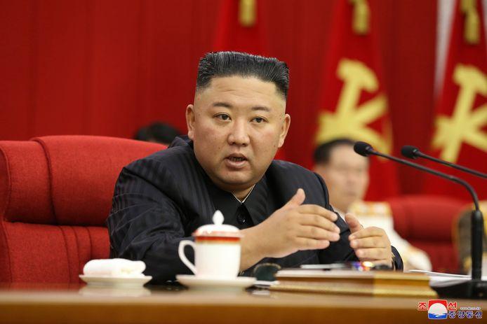 """Kim """"a souligné la nécessité de se préparer autant au dialogue qu'à la confrontation, en particulier d'être pleinement préparé à la confrontation"""", dans un discours sur sa stratégie à l'égard de Washington lors d'une réunion plénière du Comité central du parti, selon l'agence officielle KCNA."""