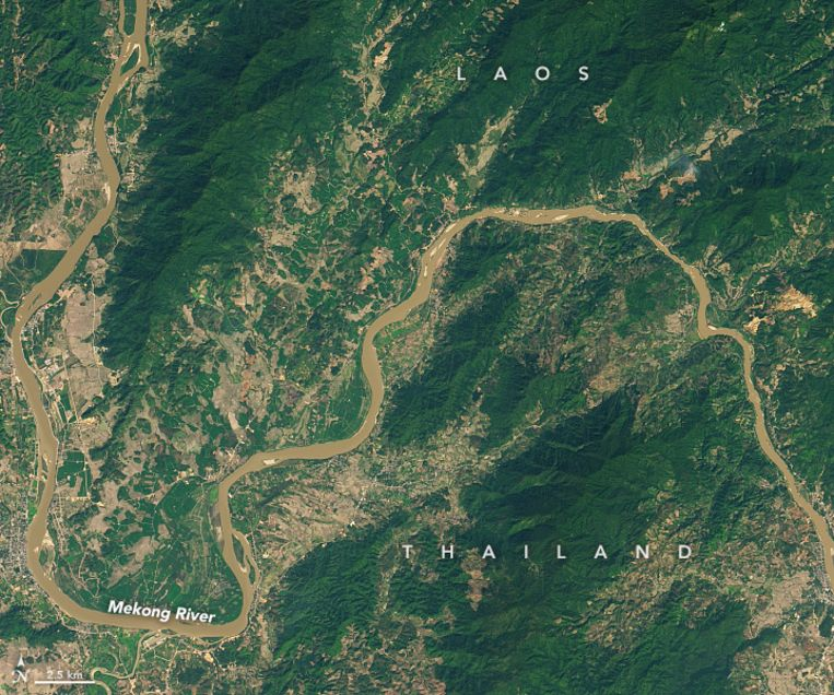In januari 2015 kleurde de Mekong nog bruin.