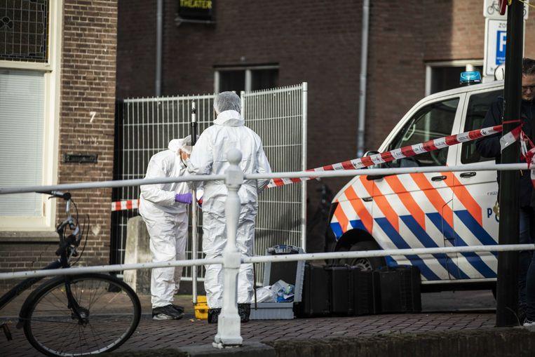 Onderzoek in de Breestraat nadat de politie maandagochtend op een man met een wapen heeft geschoten. Beeld ANP