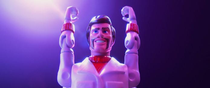 """Keanu Reeves prête sa voix à Duke Caboom et c'est le personnage le plus cool de """"Toy Story 4""""."""