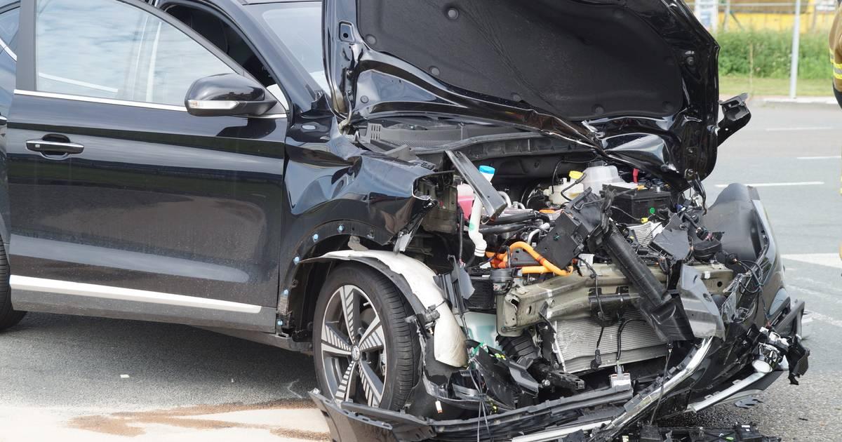 Automobilist gewond bij aanrijding in Waalwijk.