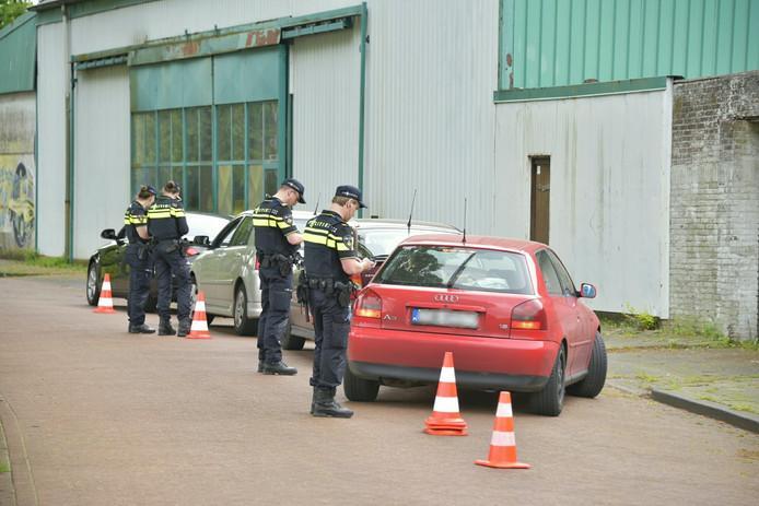 De politie hield dinsdag een grote verkeerscontrole samen met de belastingdienst.