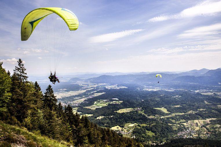 Paragliden in de buurt van Begunje. Beeld Aurélie Geurts
