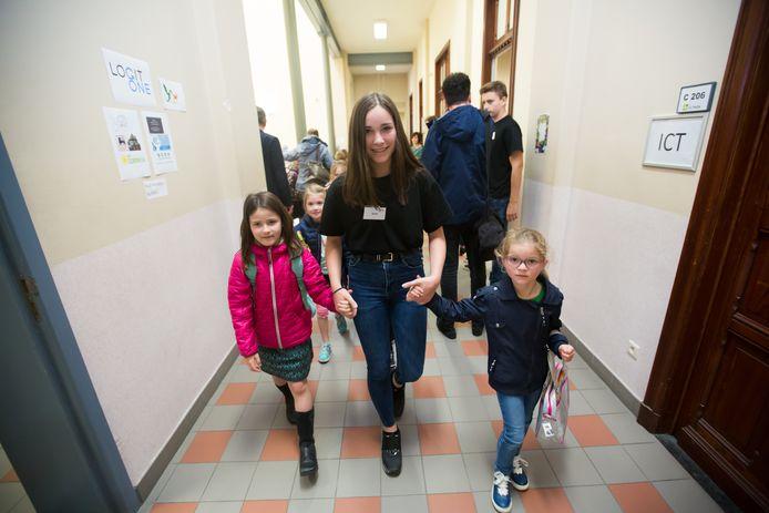 De vierdejaars studenten begeleidden zélf alle kinderen.