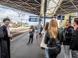 Universiteit neemt perron 1 over: snelle minicolleges voor wachtende treinreiziger