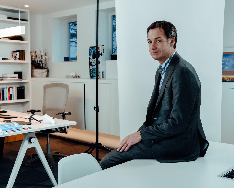 Alexander De Croo: 'Ik vind dat nu op reis vertrekken van een hoge graad van onverantwoordelijkheid getuigt.' Beeld Damon De Backer