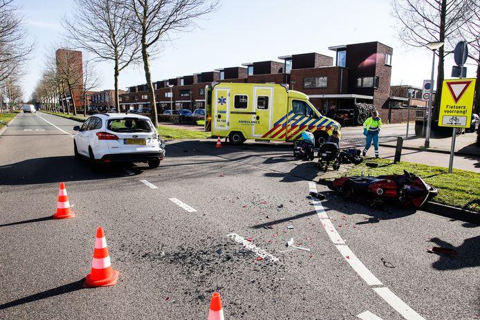Ongeluk met een motor in Hendrik-Ido-Ambacht. Het incident was een van de vele in de regio.
