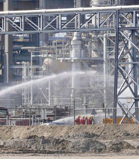 Veiligheidsdiensten rukken uit voor gaslekkage bij Shell Pernis