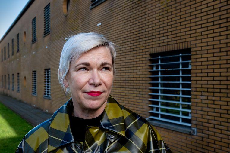 Christine Otten vindt inspiratie in haar schrijfworkshops voor gedetineerden. Beeld Patrick Post