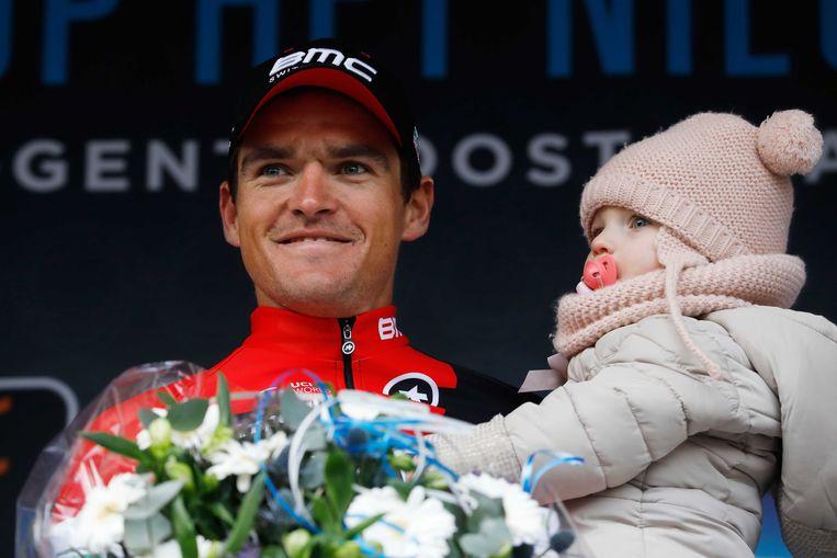 Greg Van Avermaet met dochtertje Fleur. Beeld ANP