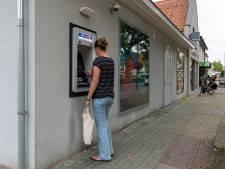 Klachten over pinautomaat Reusel, ene bank wijst naar andere bank