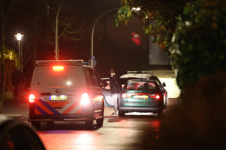De politie rukt maandagavond uit naar de Dantzigstraat.