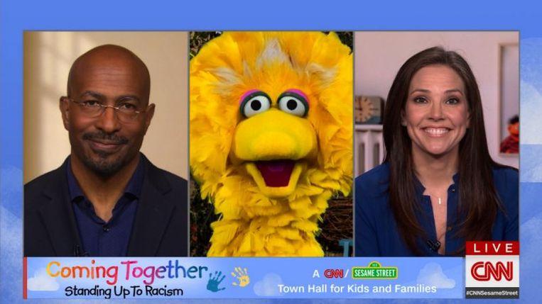 De Amerikaanse 'Sesamstraat' maakt samen met nieuwszender CNN een gezinsvriendelijke special over racisme. Beeld RV