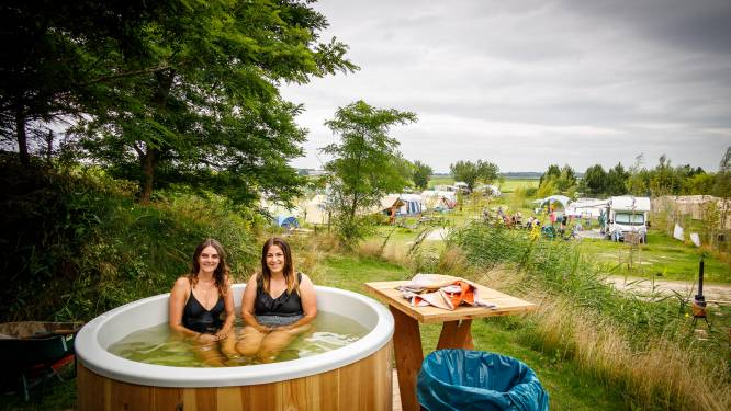 Toch nog festivalvibe op de camping in Kraggenburg: 'Hier word je vanzelf rustig'