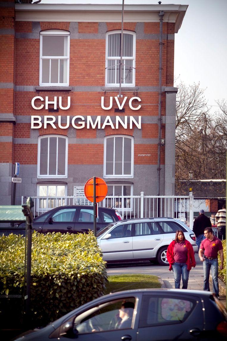 Het Brugmann-ziekenhuis in Brussel. De voorzitter van de raad van bestuur Christophe Pourtois (MR) ontvangt 32.365,56 euro bruto per jaar. Beeld jonas lampens