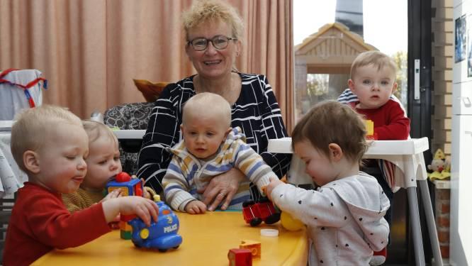 """Onthaalmoeder Martine zorgt al 30 jaar voor kindjes bij haar thuis: """"Hoe ik hier de rust bewaar? Daar heb ik een simpel trucje voor"""""""
