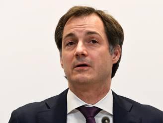 """Premier over langetermijnmodellen: """"We moeten voorzichtig zijn in maart, wat niet wil zeggen dat niets mogelijk is"""""""