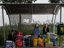 Arbeiders Saulus en Renata plompverloren op straat gezet na ontslag: 'We moesten binnen 15 minuten wegwezen'