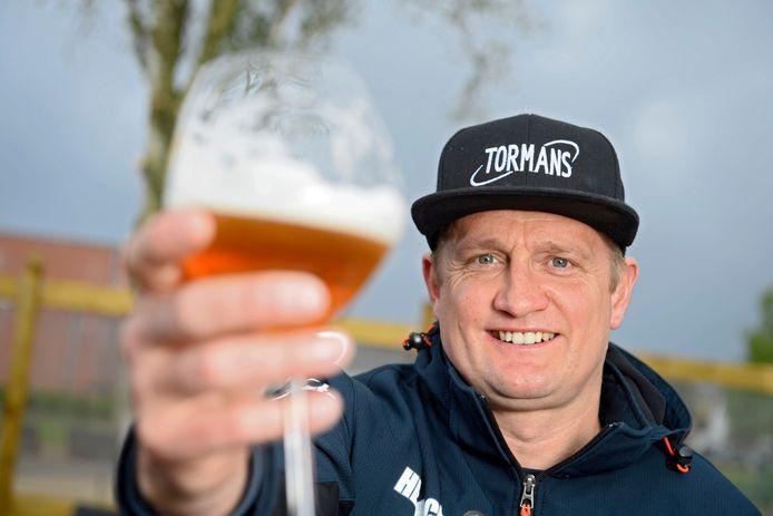 Bart Wellens kijkt volop uit naar zijn eerste terrasje bij Sportcafé De Dreef in Vorselaar