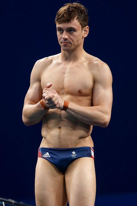 Schoonspringer Tom Daley: 'Trots om te zeggen dat ik homo en olympisch kampioen ben'