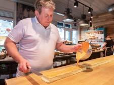 Bakker Berjan ten Brinke in Ommen maakt zich op voor mega-klus:  200 meter oranje-tompouce