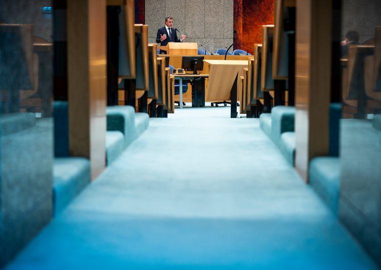Staatssecretaris Mark Harbers in de Tweede Kamer.  Beeld Freek van den Bergh / de Volkskrant
