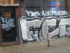Pand van studentenvereniging Bernlef in Groningen beklad met anti-Friese leuzen