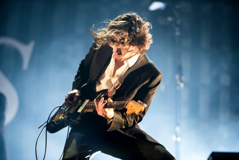 Alex Turner van Arctic Monkeys, afgelopen zomer op Best Kept Secret. Beeld Koen Keppens