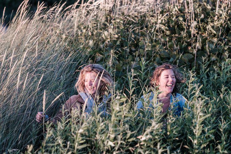 Elke (r) en Maaike Neuville: