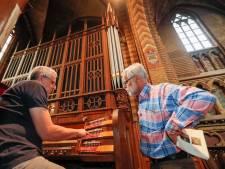 De smalle trap op naar het orgel van de Joriskerk in Eindhoven