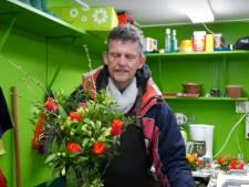 Student maakt docu over bekende Haagse bloemenverkoper Henk(ie)