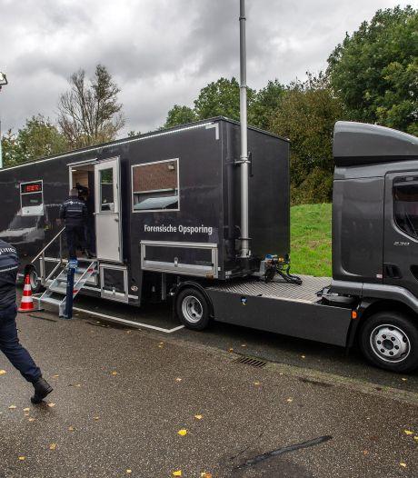 Politie gaat op plaats delict werken in moderne trailer, inclusief toilet: 'Hoeven we niet meer bij buurtbewoners aan te bellen'